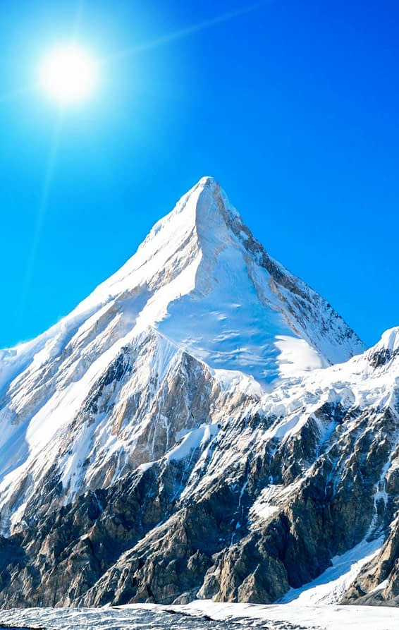 Mount Everest - An Aesthetic Art
